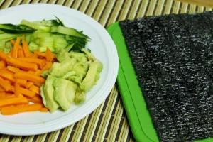 Raw Kale Sushi Salad